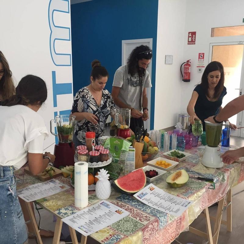 Taller de Zumos Naturales: Servicios y Talleres de Melody García Nutrición