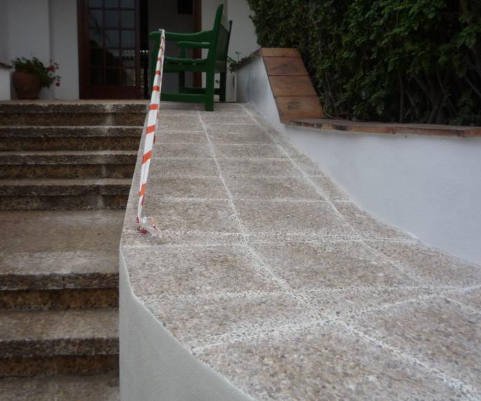 Reforma para creación rampa para personas con discapacidad en comunidad de vecinos en Santa Cruz de Tenerife
