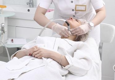 Reafirmación de cuello y escote