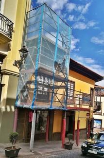 Andamio multidireccional con marquesina de protección para rehabilitación de tejado. La Orotava.