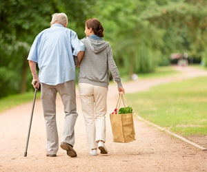 Acompañamiento y atención a las tareas del hogar para ancianos