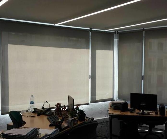 Ideas de cortinas modernas, venecianas, estores y paneles japoneses