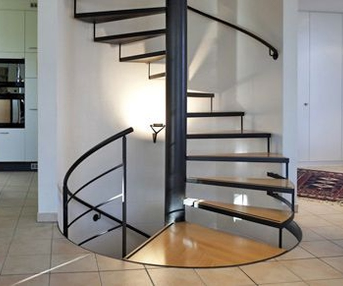 Escaleras modulares de caracol: Servicios de Rehabilitaciones Integrales JB