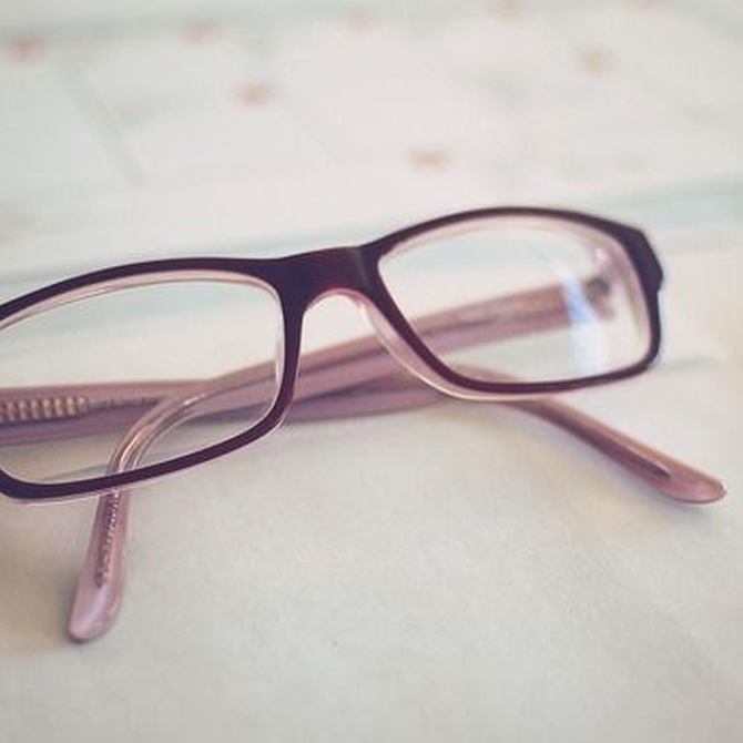 Consejos para limpiar adecuadamente nuestras gafas