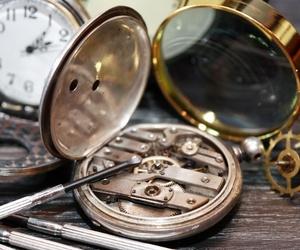 El mantenimiento de los relojes de cuerda antiguos