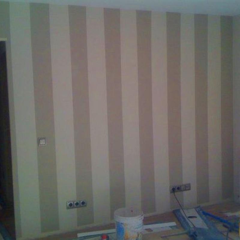 Empapelado o pintura de paredes, interiorismo