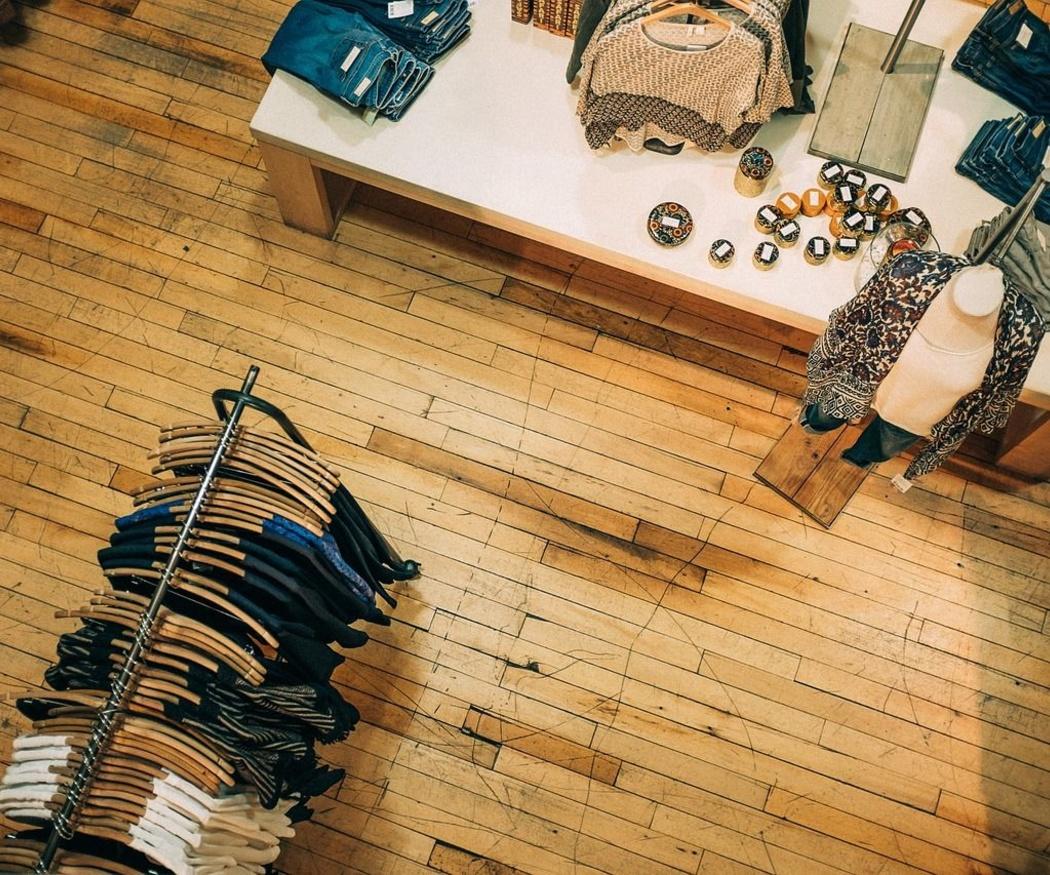 Los elementos que no pueden faltar en tu tienda de moda