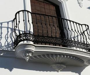Balcones y cornisas