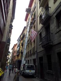 Mudanza en calle Ronda del Casco Viejo de Bilbao