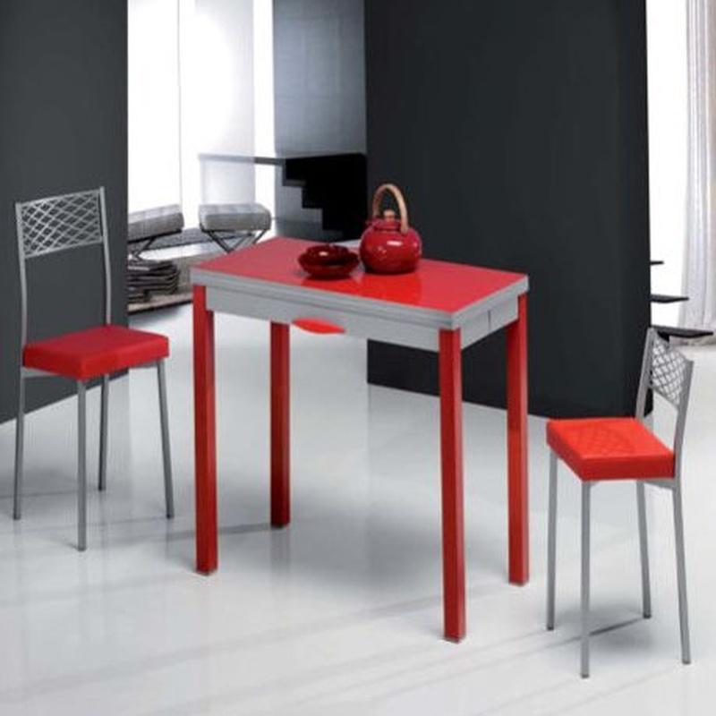 Mesas y sillas: Productos y servicios de Saneamientos Lema