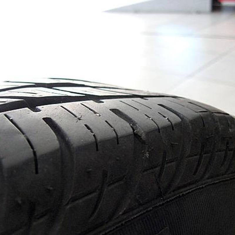 arreglo de neumáticos