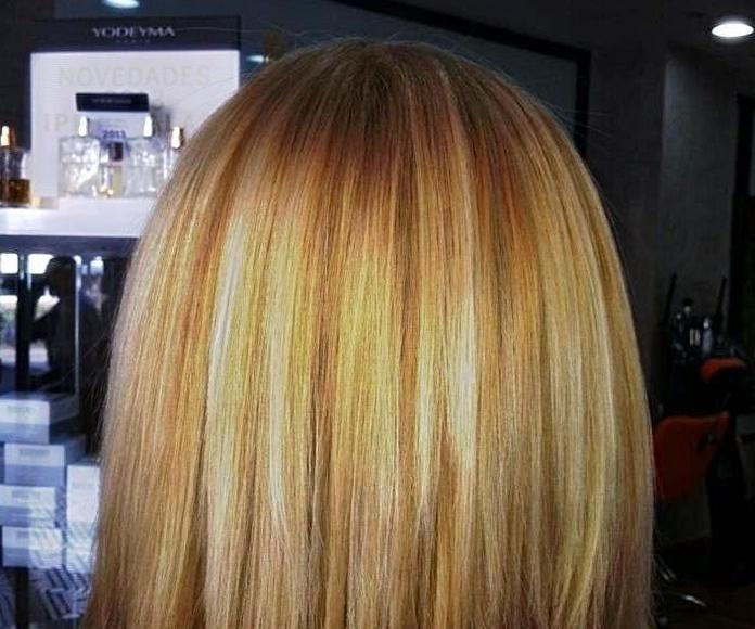 Trabajo de color Asia peluquería