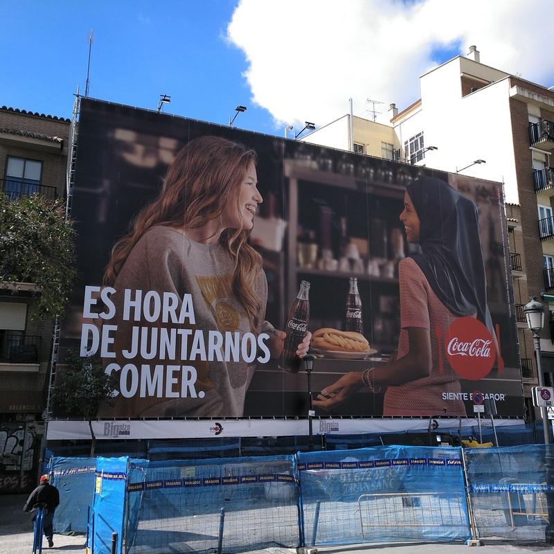 C/ Valencia, 4. Madrid. Publicidad en andamio