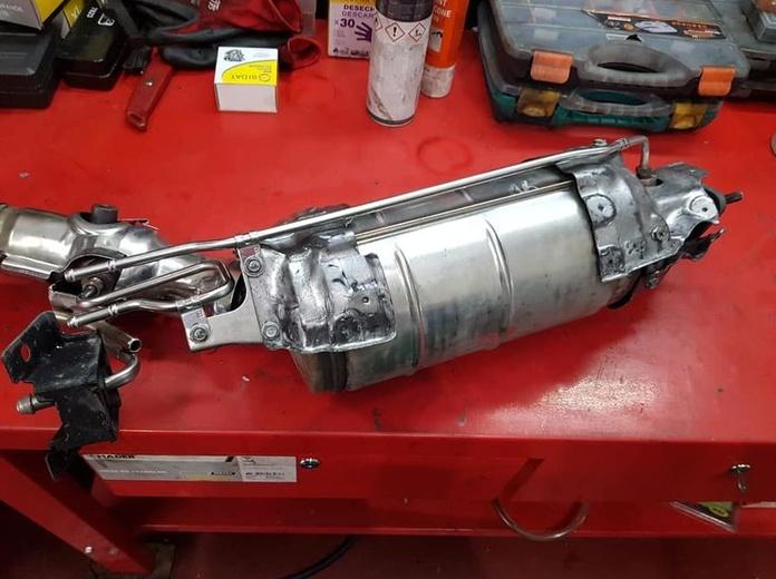 Sistema de escape: Servicios de GT-R Motor