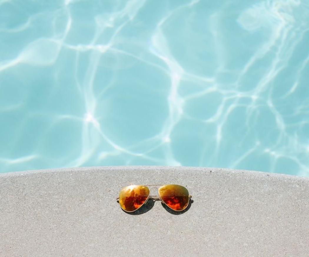Beneficios de contar con un cobertor de piscinas