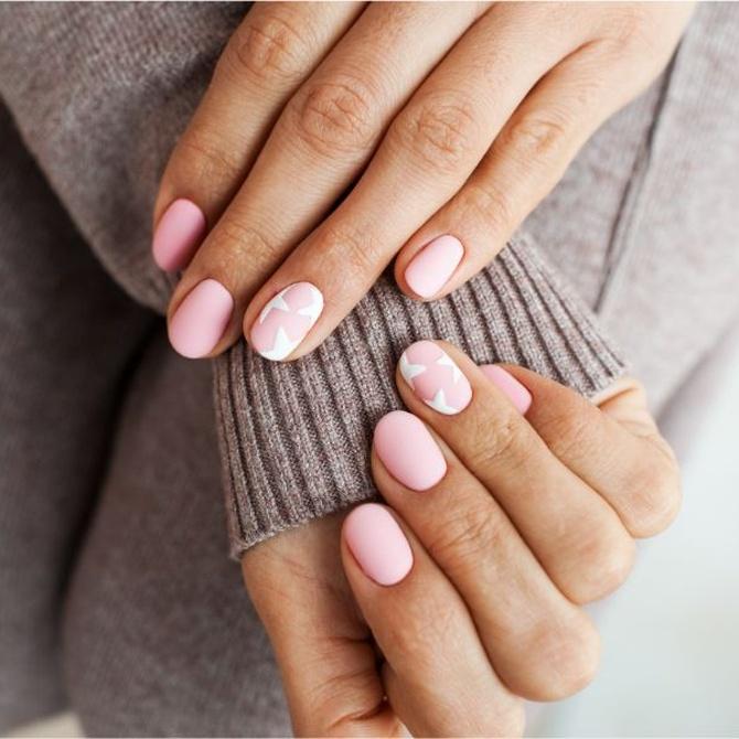 Las diferencias entre uñas acrílicas, uñas de porcelana y uñas de gel