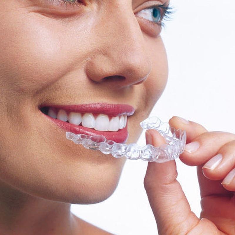 Invisalign, ¿qué es?: Servicios de Clínica Dental Dr. Ignacio Belsué