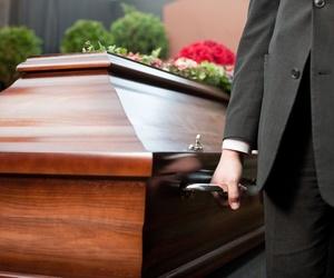 ¿Cómo organizar un funeral?