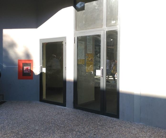 Puertas RF 60 contra incendios de acero galvanizado y lacado al horno con perfiles Foster