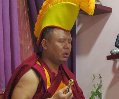 Nueva visita del Lama Geshe Ahbay Tulku Rinpoche a Izel Yoga