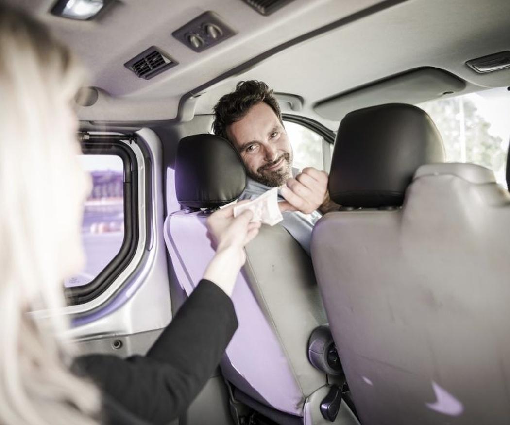 Diferencias entre taxi y alquiler de vehículo con conductor (II)