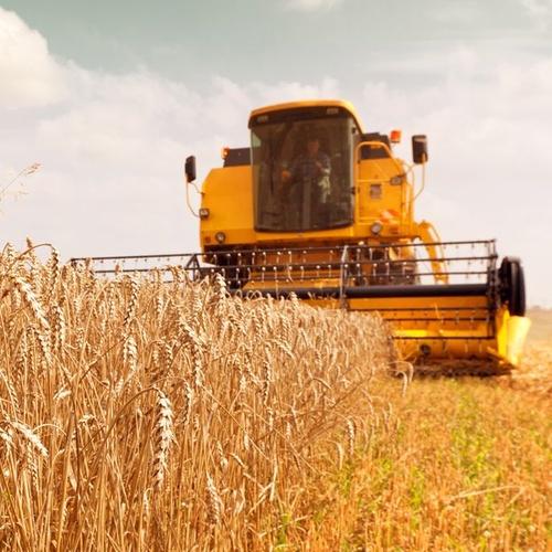 Tractores, cosechadoras... en Asturias