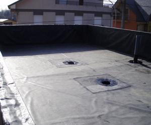 Impermeabilización de cubierta con lámina EPDM.