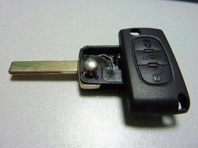 Tengo la llave del coche que no funciona. ¿Qué puedo hacer?