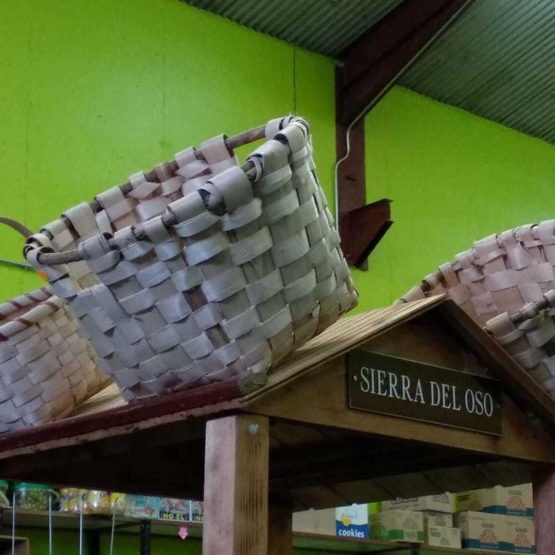 Cestería artesana de castaño y roble . Palencia .Bodega Cabria