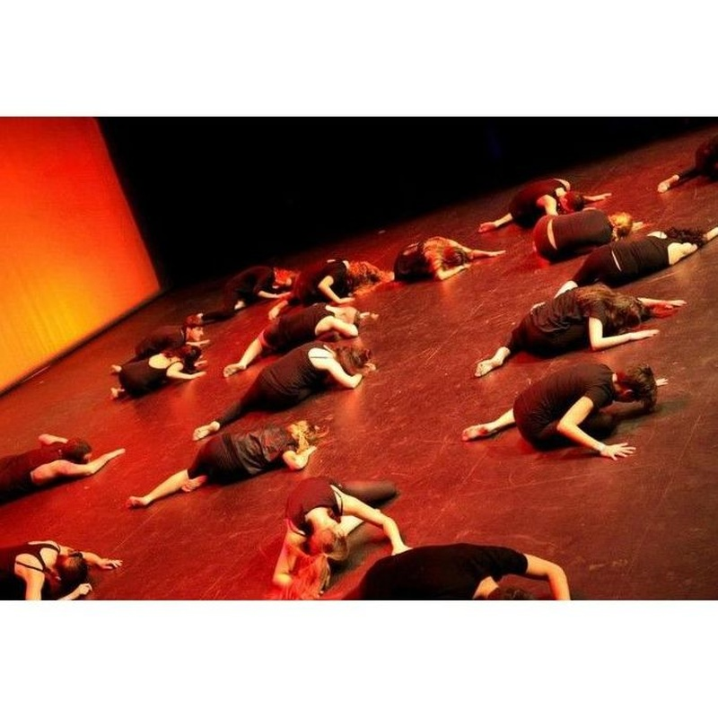 Clases de Contemporáneo en Valencia: Clases y Campamentos de Dance Center Valencia