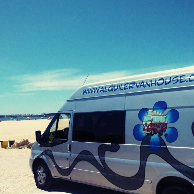 Ford Transit 4 plazas: Servicios de CamperIbiza