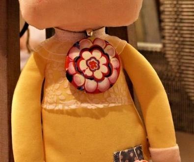 Uno de los conjuntos de Bisutería en tela de Lira para la Primavera