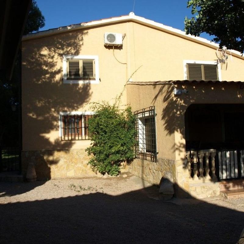 Chalets en venta  175.000€: Compra y alquiler de Servicasa Servicios Inmobiliarios