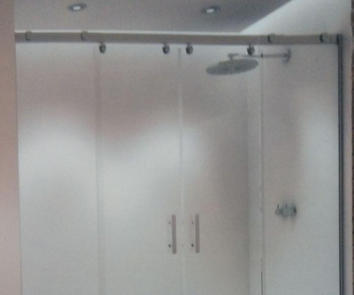 MAMPARAS DE BAÑO.: Productos y servicios de Aitana Toldos y Aluminios