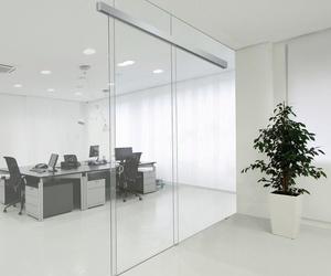 Mamparas de oficina: Cristalería Múgica
