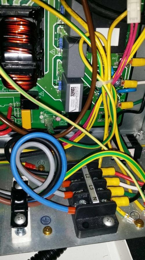 Reparación de maquinaria se frio industrial Gijón http://www.tempconfortinstalaciones.es/es/
