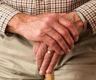 Consejos para prevenir los efectos del calor en ancianos