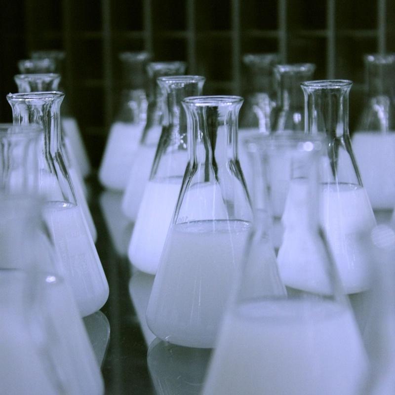 Análisis de agua: Servicios de Farmacia Eva Guillén