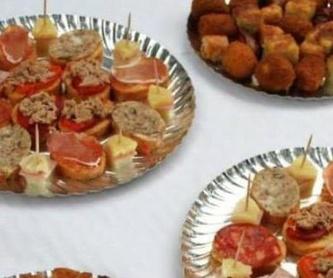 Butifarra de huevo cruda, varios sabores: Catálogo de Carnisseria-Xarcuteria Cal Vivet
