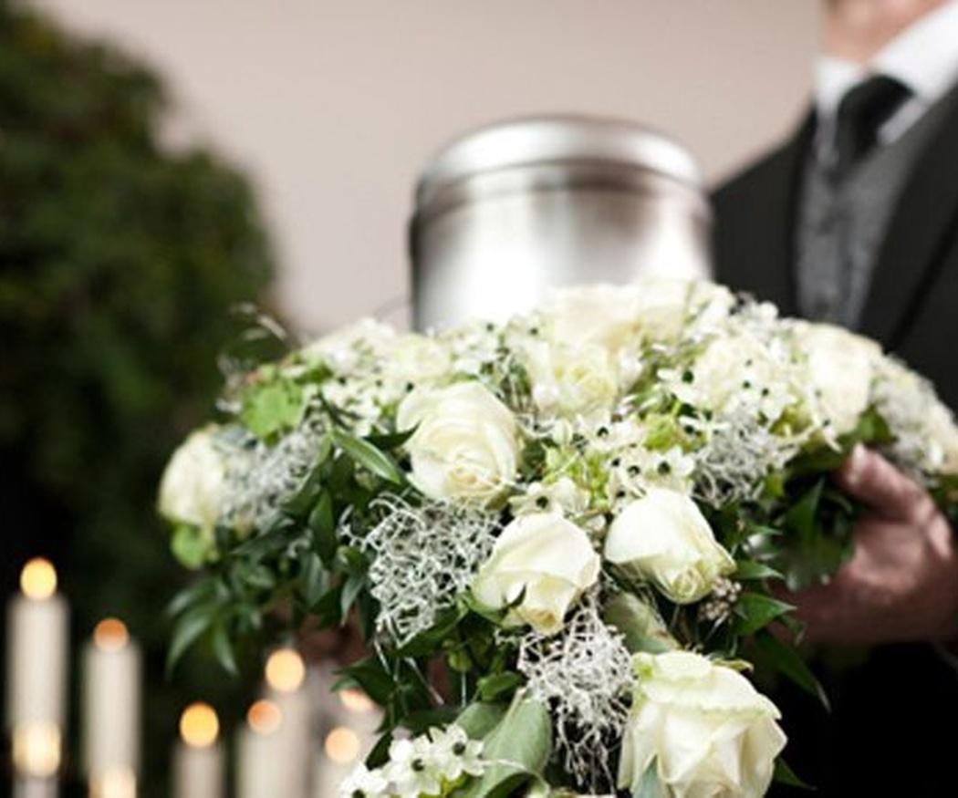 Diferentes tipos de urnas funerarias