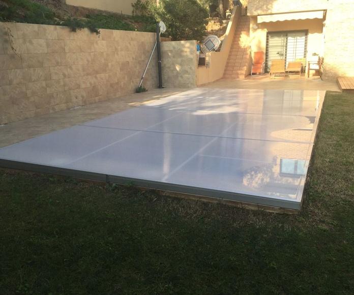 Tapa de aluminio y policarbonato para piscina.