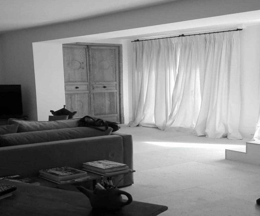 Restaura tus sillones y sillas a juego con tus cortinas para dar coherencia a tu salón