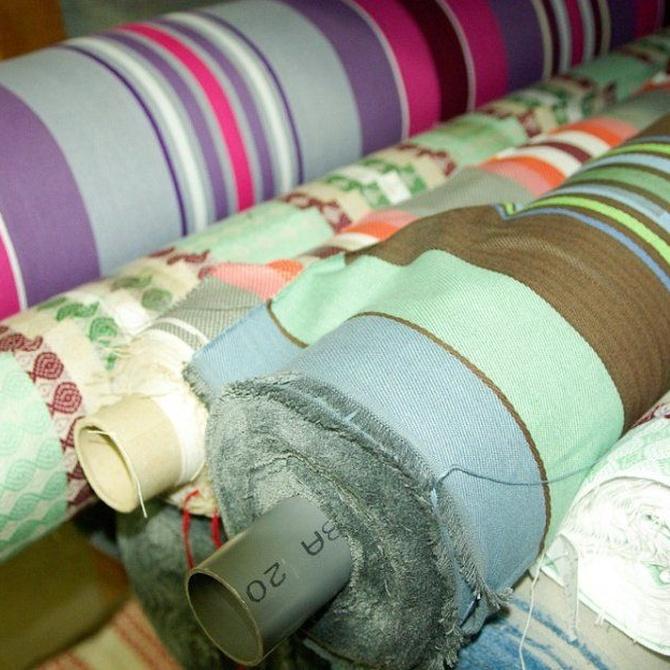¿Conoces los diferentes tejidos que puedes colocar en un toldo?