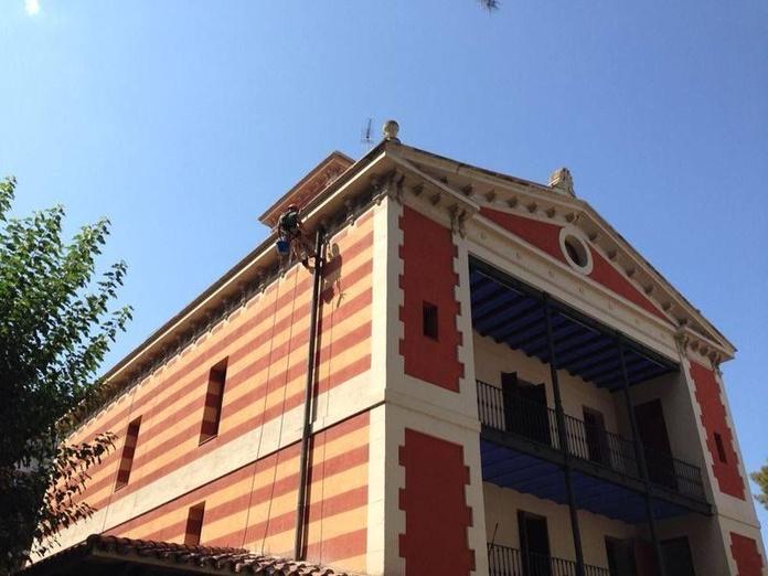 Rehabilitación de fachadas: Servicios de Grau Vertical