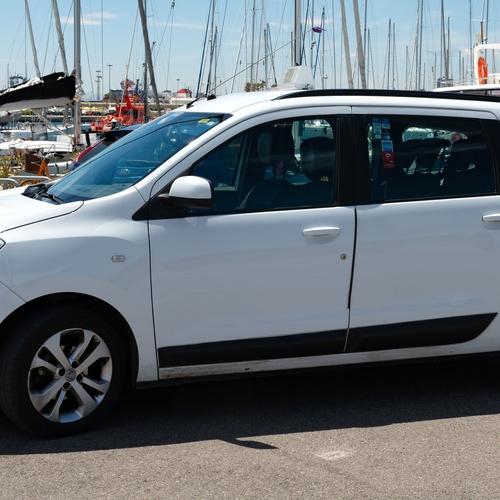 Taxi en el puerto de Valencia