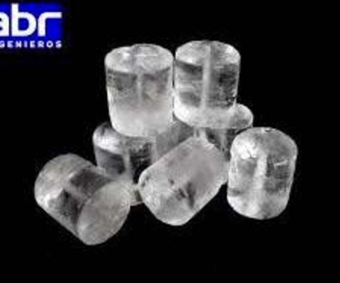 Cubitos de hielo macizo: Productos y servicios de Hielos Alvarado