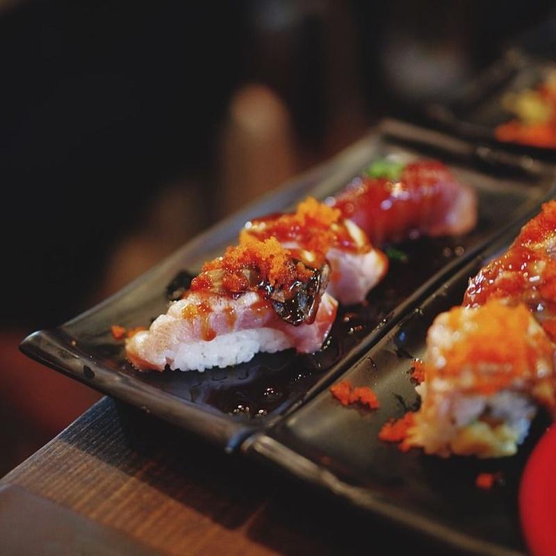 Salmón flameado: Carta de Sushi Time Buffet Libre