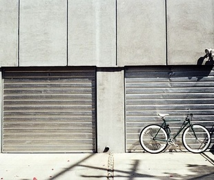Qué puerta elegir para un garaje