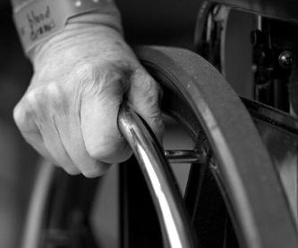 Ayuda sociosanitaria a personas de 3ª edad: Servicios de M.A.D. Asistencia