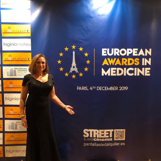 EUROPEAN AWARDS IN MEDICINE - DRA. VICTORIA DELGADO DÍAZ - Proctología